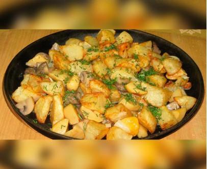 Картофель жареный по домашнему  с грибами и луком